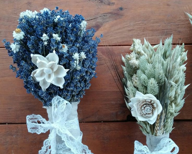 English Lavender and ammobium flowers Bridal bouquet with a grasses and larkspur Bridesmaid bouquet