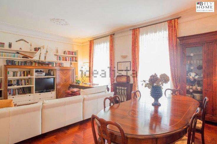 A #Milano, vicino alla fermata metro Piola, vi proponiamo in #vendita questo #appartamento di 3 locali al prezzo di 595.000 € Maggiori dettagli su B-Fly Home: #solobellecase