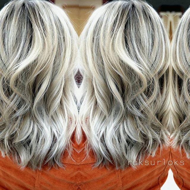 Oopsie.. @guy_tang favorites SV rapid toner on my babe from last night❄ #blonde #metallic #modernsalon #newyearunicorns
