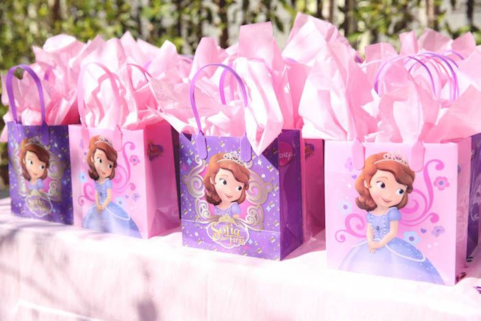 Sofia the First's Royal Celebration with SO MANY CUTE IDEAS via Kara's Party Ideas | Cake, decor, cupcakes, games and more! KarasPartyIdeas.com #sofiathefirst #sofiathefirstparty #royalcelebration #princessparty #girlparty #partyideas #partydecor #partyplanning #partydesign (53)