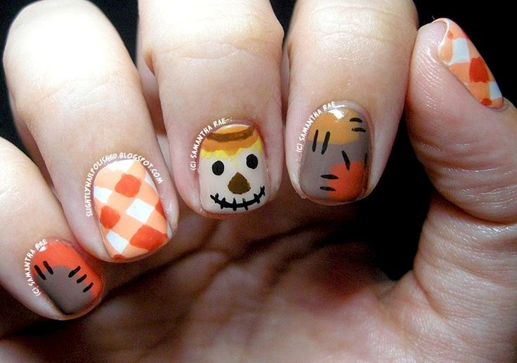 16. SO super cute! These nails are anything but scary.