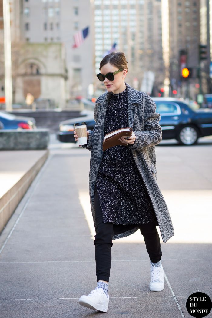 New York Fashion Week FW 2015 Street Style: Jo Ellison - STYLE DU MONDE | Street Style Street Fashion Photos