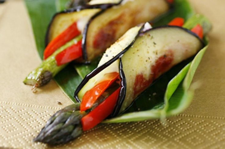 Eggplant rolls with asparagus, peppers and labaneh