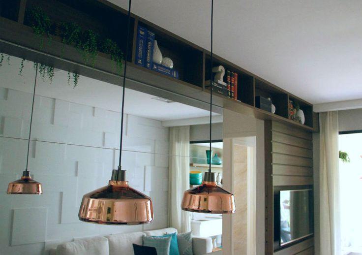 #camilakleinarquiteta #decoração #decor #interiordesign #arquitetura #architecture #iluminação #pendente #marcenaria #nichos #wood #saladeTV #TVroom #hometheater