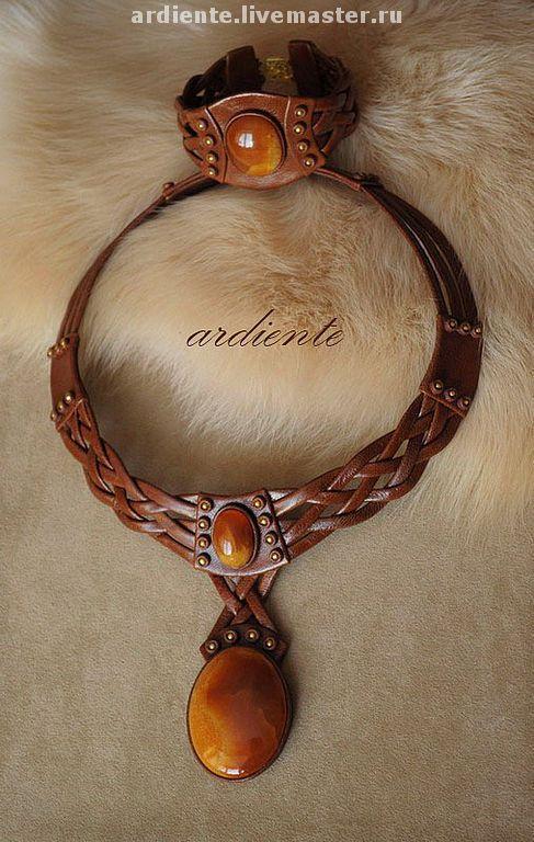 """Купить Колье """"Скифское"""" - коричневый, кожа натуральная, натуральная кожа, симбирцит, авторская работа"""