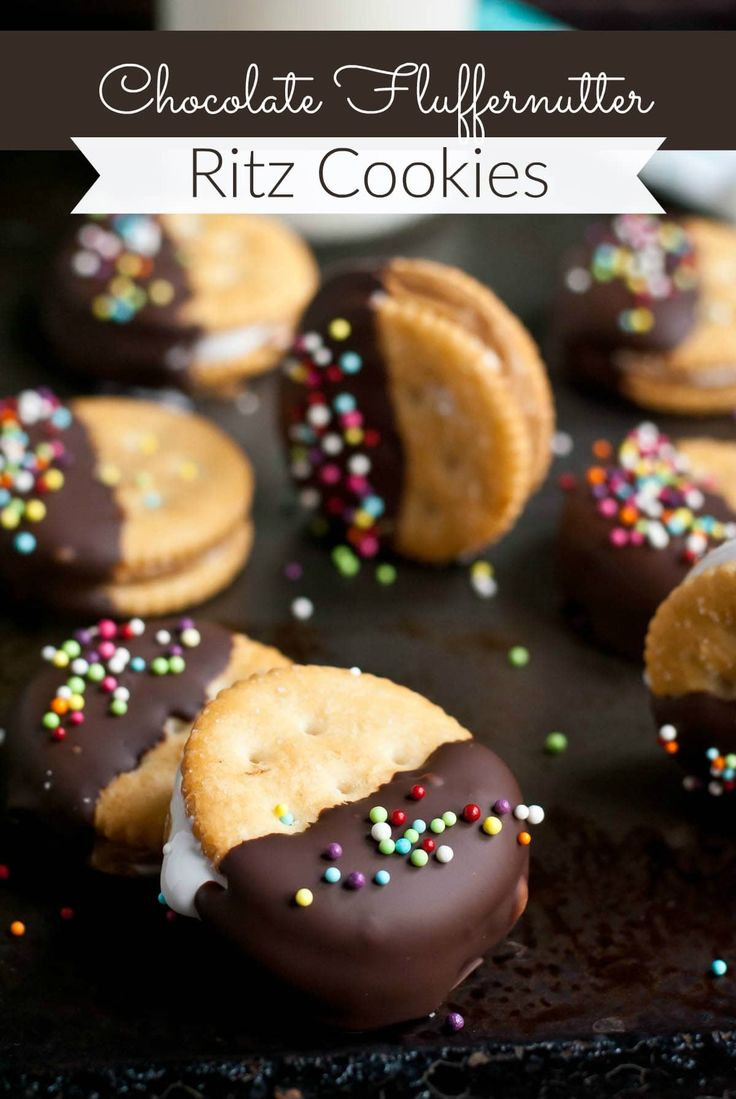 Chocolate Dipped Fluffernutter Ritz Cookies | Neig…