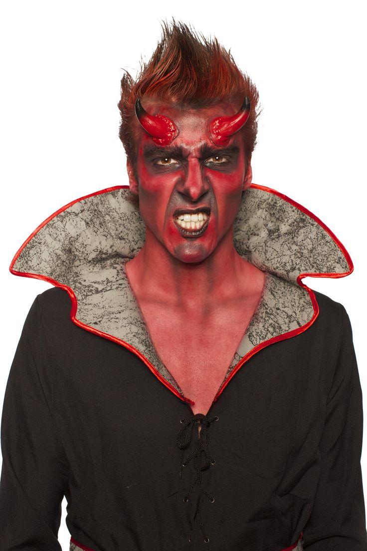 Kit maquillaje demonio Halloween: Este kit de maquillaje de demonio para adulto está compuesto por dos cuernos, una bolsita de 7 gr de maquillaje al agua rojo, una paleta de 3 colores (negro, rojo y gris), una esponja y un...
