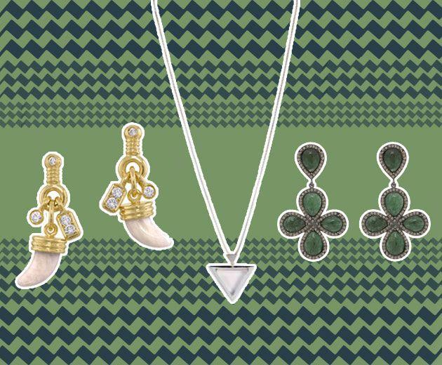 O brincos patuá da Amsterdam Sauer em ouro amarelo e diamantes (R$ 3.570 cada ou R$ 7.140 o par), colar de quartzo rosa da Djaya Levy pra atrair amor (R$ 380) e o brinco de trevos de Hector Albertazzi (R$ 726)