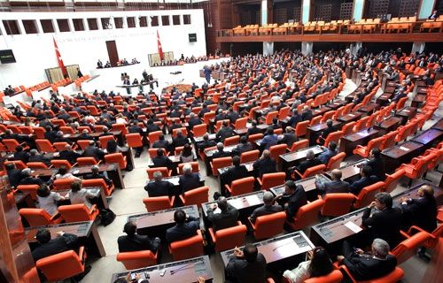 Meclis anadilde eğitimi reddetti   Yeni Özgür Politika