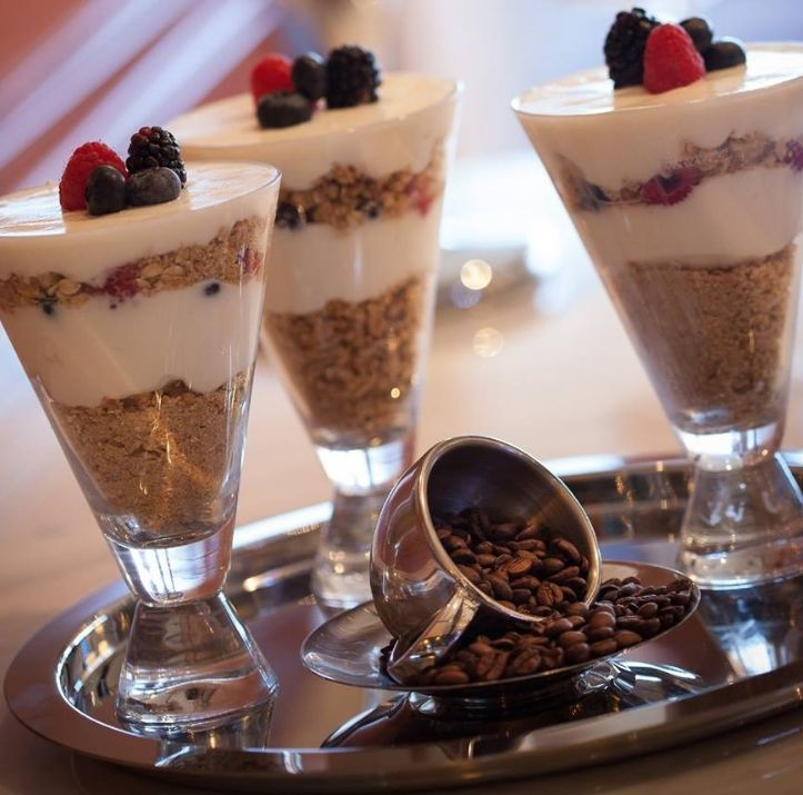 Wake up with organic yogurt and seasonal berries specially combined to please the palate at Grand Hyatt DFW.