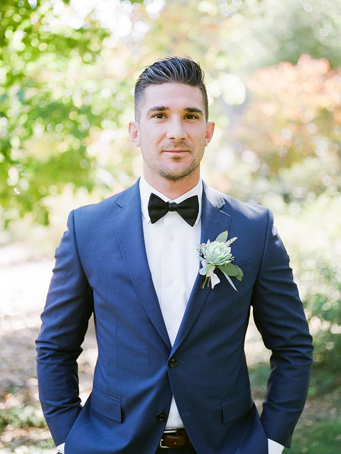 Modern Take on Groom's Attire in Navy and Black