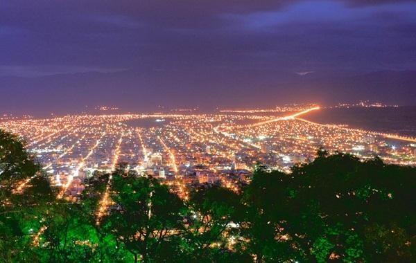 Vista noturna de Salta, La Linda!
