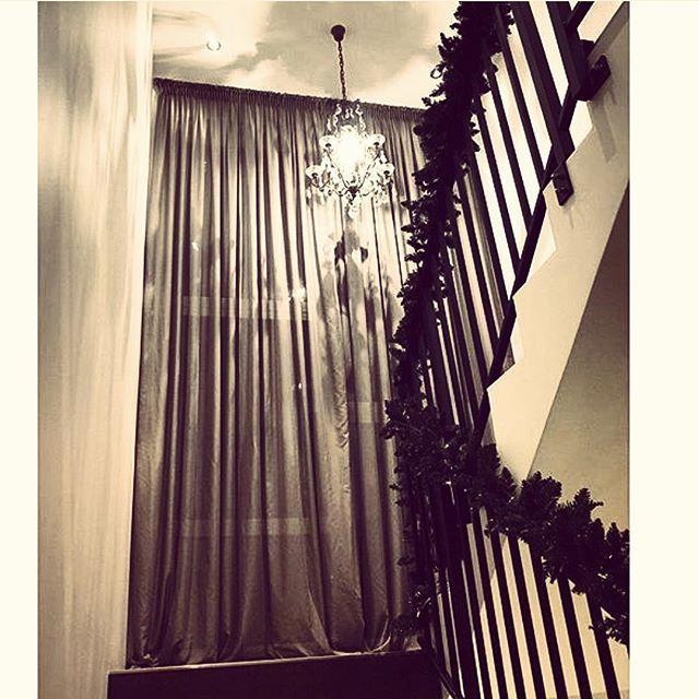 Kunde @karinevadset  fornøyd med sine nye gardiner fra Karisma . Customer @karinevadset happy with her new curtains from Karisma  #karismainterior #interior #inspiration #interiordesigner