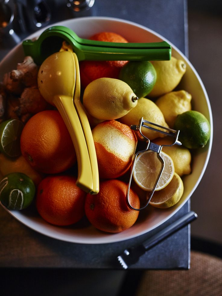 Fresh squeezed citrus juice in no time with our lemon press.