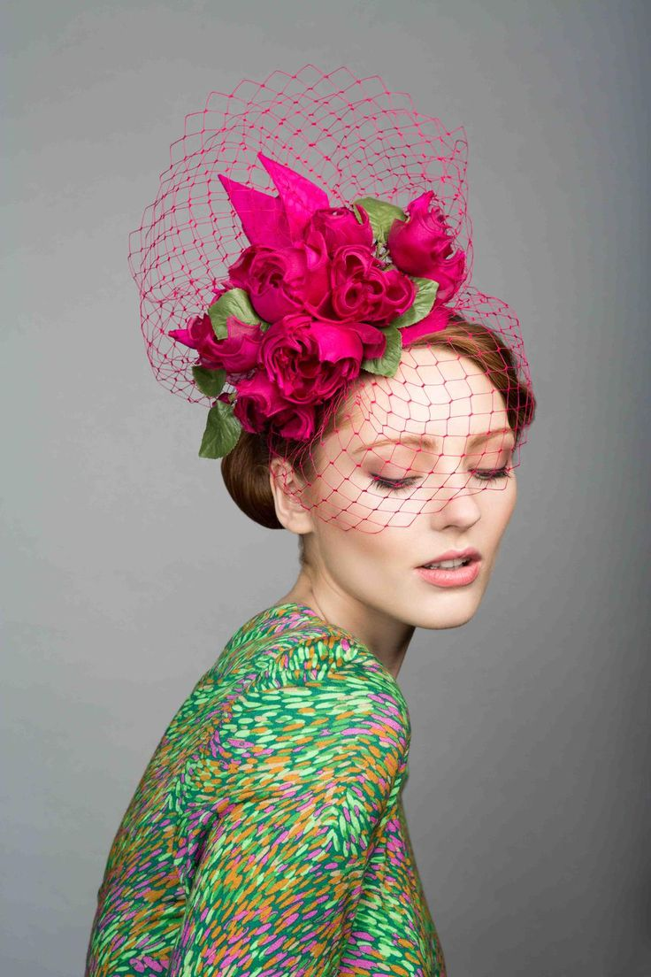 How beautiful is this by @RTMMillinery? http://www.styleandthebride.co.uk/top-hat-tips-for-the-mother-of-the-bride/ …. #weddings #brides #motherofthebride