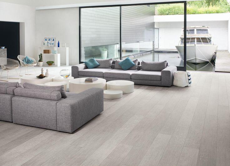 De kleur van je vloer bepaalt voor een groot stuk de stijl en uitstraling van je kamer. Echte natuurtinten zorgen voor een tijdloos effect, wit voor een extra ruimtelijk gevoel, warme nuances voor de gezelligheid, zwart voor een streepje luxe,… Warme grijze dessins werken dan weer overal en zijn perfect combineerbaar met een wisselend decor....read more →