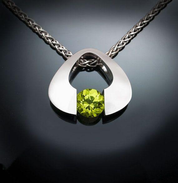 peridot necklace - August birthstone - Argentium silver - eco-friendly - green - modern - gemstone jewelry - 3423