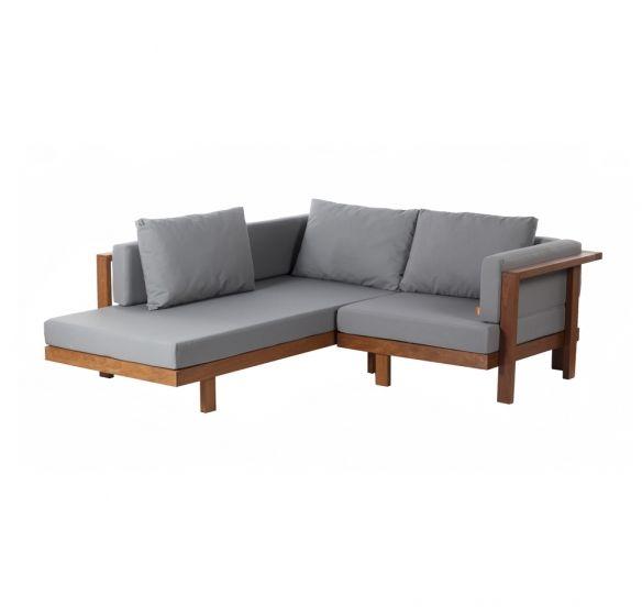 Sofá com chaise | 180L x 90/197P x 59H. Design Marcelo Yamasita. Assento e encosto fixos. Almofadas de encosto soltas. Estrutura em madeira cumaru. Diversas opções de tamanhos e tecidos.