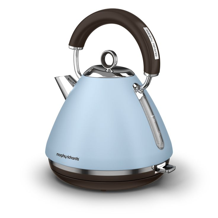 Limited special edition for our Accents traditional pyramid kettles - Azure. Pale blues bring a notch of colour where you need it while remaining easy on the eyes