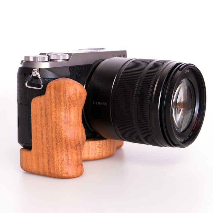 Lumix GX85 with wooden cameragrip from Holzgriff
