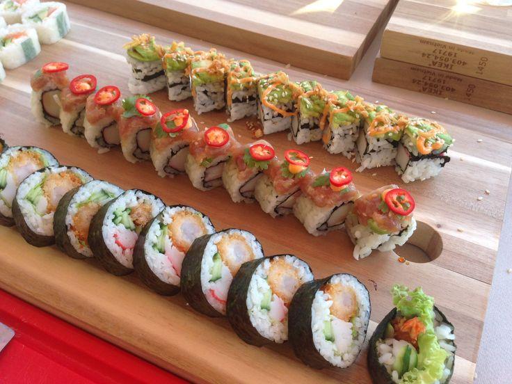 Homemade sushi. I LOVE toppings! www.sumosushi.be