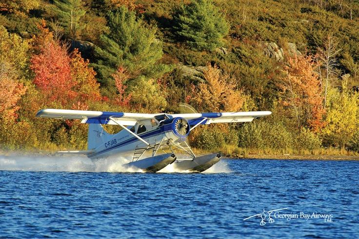 deHavilland Beaver departs Parry Sound Harbour in Fall