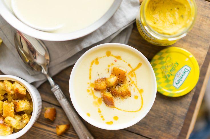 Суп пюре из цветной капусты с горчичными гренками | Супы-пюре, как отдельный вид супов, я очень люблю. В их однородности и кремовости есть какой-то определённый шарм, который порой очень радует.