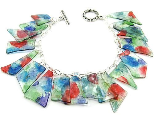 Bracelets and necklaces made from recycled CDs