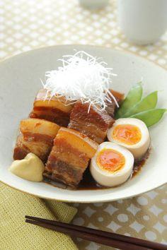 豚の角煮 半熟卵添え Buta no Kakuni (Japanese braised pork belly)