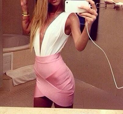 I love asimetric bandage skirts! #fashion #body #skirt #sexy #pink #blonde