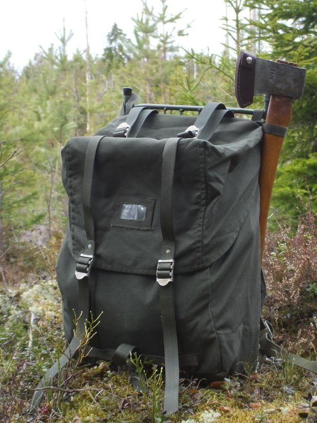 "In my last post, I showed a few pictures of a pack I picked up before our recent move from Helsinki. It's a ""35 L, K""-model Swedish army rucksack, and I got it for about 25 Euros …"