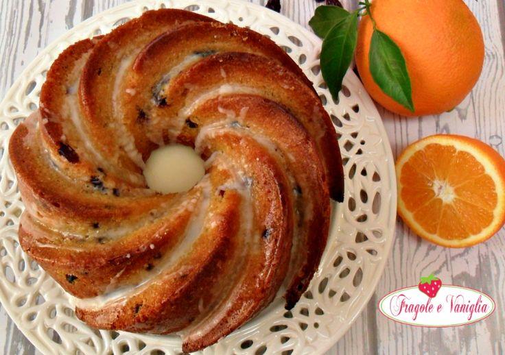 Bundt cake all'arancia e mirtilli rossi...una torta ricca e burrosa, piena di mirtilli secchi ammorbiditi con succo d'arancia e profumati al liquore