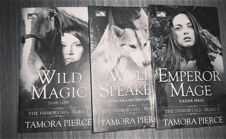 From @qyeersafitri -  Baca baca baca baca baca baca #wildmagic #tamorapierce #theimmortals #elexmediakomputindo #Regrann