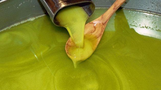 """Olio d'oliva, attenti alle """"fregature"""" sotto gli 8 euro prezzo_olio_d_oliva-630x355"""