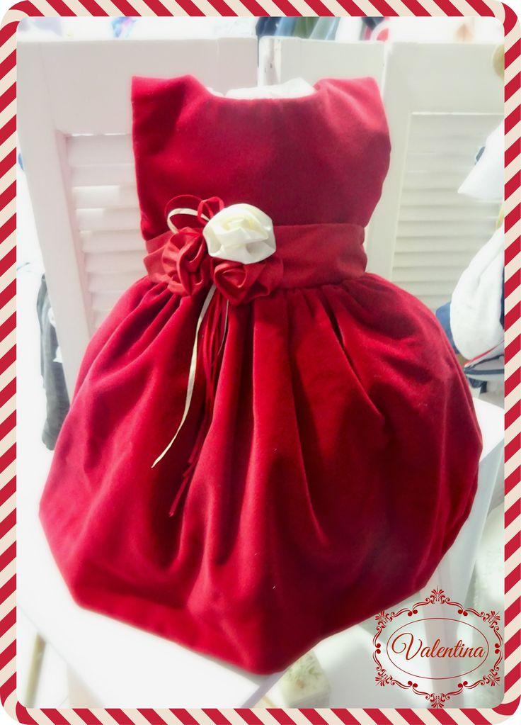 Βελούδο κόκκινο φορεματάκι με κόκκινή ζώνη και λουλούδια σε κόκκινο και εκρού χρώμα!!!