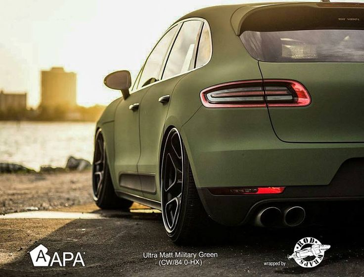 """Ultra Matt Military Green (CW/84.0-HX). """"Sii sempre in guerra con i tuoi vizi, in pace con i tuoi vicini, e lascia che ogni nuovo anno ti trovi un uomo migliore.""""  """"Be always at war with your vices, at peace with your neighbors, and let each new year find you a better man"""". [Benjamin Franklin] #selfadhesive #apastickers #apafilms #apafolie #apavinyl #ultramattgreen #velvetgreen #militarygreen #carfoil #carwrap #carwrapping #ilw #ilovewrapping #apainside"""