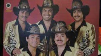 """Un Día A La Vez .. """"Los Tigres Del Norte"""" cantando en vivo desde la basílica de Guadalupe - YouTube"""