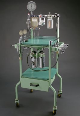 Boyle-type anaesthetic machine, England, 1955-1965.  This reminds me of why I'm scared of hospitals.