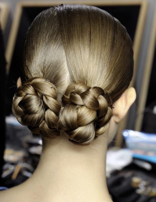Flätat, hästsvans och stjärnfall i frisyrmodet   Mode   Modenyheter Modereportage Trender Tips   Expressen