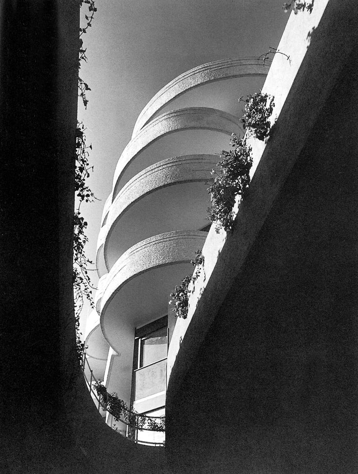 Roma, Casa della cooperativa Astrea, via Jenner di LuigiMoretti2010stampa b/n ink-jet montata su dibond, cm 110x140� Gabriele Basilico . libreriamo.it