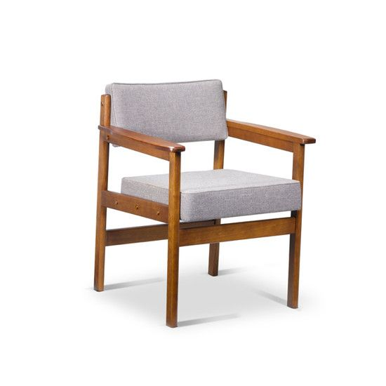 - Base structure available in four variations of beech wood and imbuia wood - Upholstery offered in a variety of fabrics, leather, COM/COL - Made to order