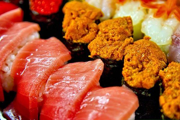 東京食べ放題 お寿司 All you can eat Sushi. Hina Zushi, Shinjuku, Tokyo