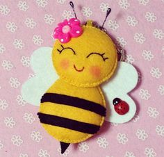 Felt bee to put in pocket of baby book- you have to sew all the pieces so she can't pull them off