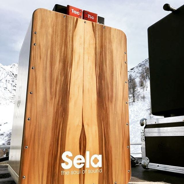 This great picture was taken by Marco Infelici in the Rhône-Alpes, #France! #SelaCajon #cajon #percussion #drumming #percussionist #drum #snarecajon #acoustic #cajonplayer #handdrum #drummer #percussionista #percusion #cajón #percussion #guitarplayer #percussão #alpes #alpen