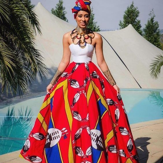 This dress though! @sarahlanga looked oh so chic on her day. Credit: @tn_collectiv
