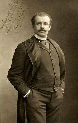"""Jean de Reszke foi o tenor mais famoso do do final do século 19. Tanto que o próprio Caruso só pisou no Metropolitan após a saída de Jean.Ele começou como barítono e depois seguiu como tenor dramático. Perdeu a voz. Descobriu o chamado """"Magic Spot"""", um ponto de ressonância que recuperou sua voz. Teve que reaprender todos os seus papéis de ópera utilizando a nova técnica que rompia com a Velha Escola Italiana de Canto."""