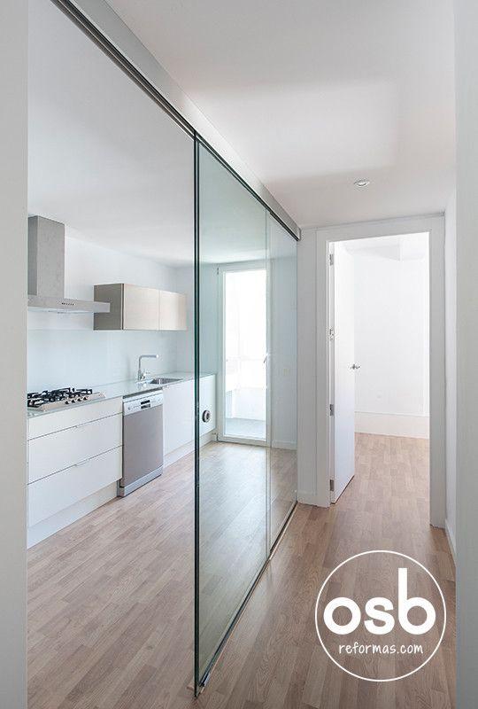 https://www.homify.es/libros_de_ideas/28549/5-ideas-para-que-los-pasillos-le-ganen-la-batalla-a-los-espacios-abiertos la reforma de Hugo y Eva : Pasillos, vestíbulos y escaleras de estilo minimalista de osb reformas