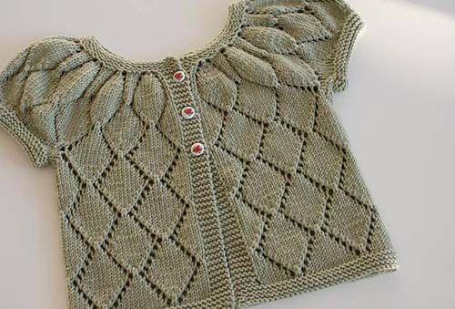 Modelos de chalecos tejidos a dos agujas para niñas de 1 año