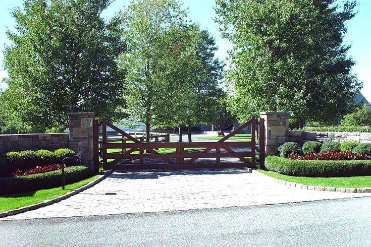 Best 25+ Wooden Driveway Gates Ideas On Pinterest