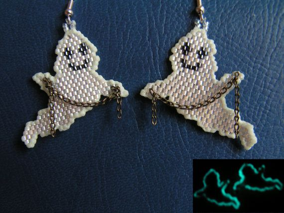 Witty ghosts - Beaded Halloween party earrings on Etsy, $15.86 CAD